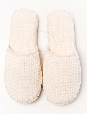 7007 Closed Toe Slippers : Waffle Type Fabric